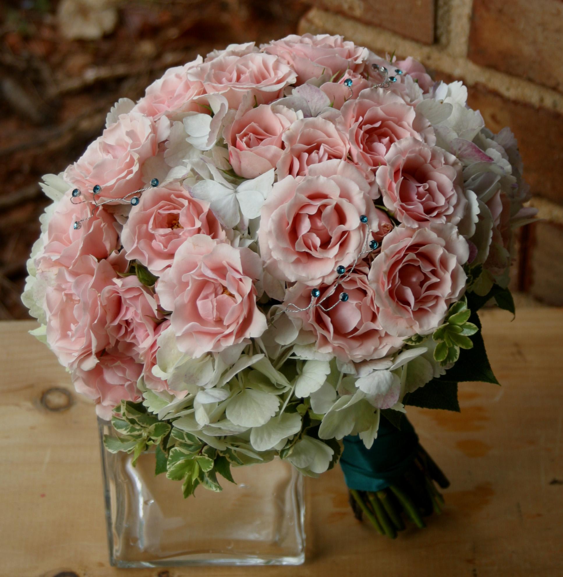 vintage wedding flowers vintage bridal bouquet wedding flowers pink wedding flowers wedding. Black Bedroom Furniture Sets. Home Design Ideas